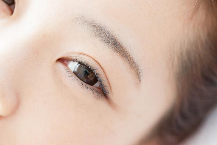 好感度がアップ!!キラキラ輝く目ヂカラを作るための6つの潤い対策!