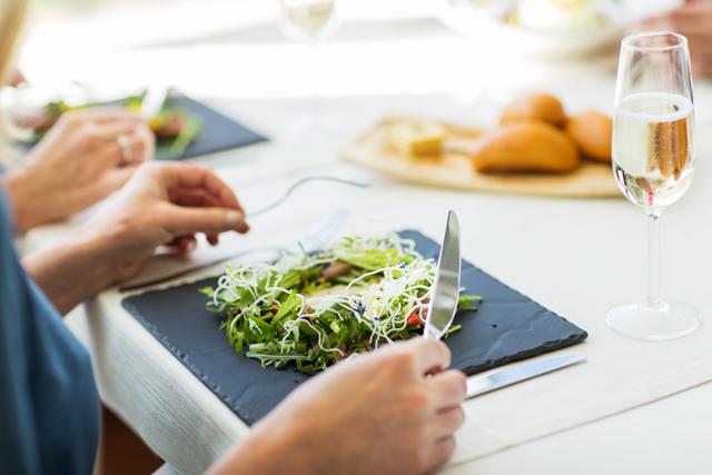 かたよった食生活を送らないことが、一番の予防策