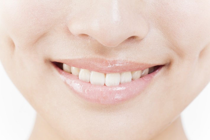 """初対面で大事な""""白い歯""""を作る『ホワイトニング』の意外と知らない4つの知識"""