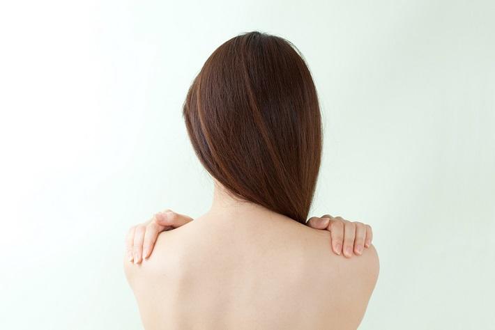 """頑固な粉ふきやかさつき。肌乾燥の最大の原因は""""長風呂""""にあり!?"""