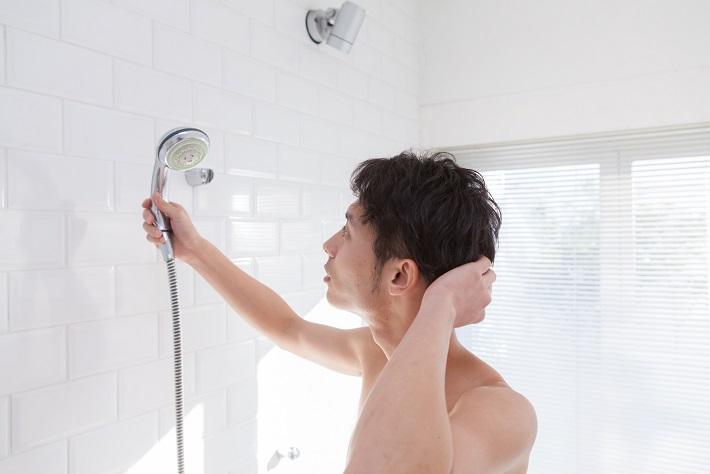"""【若い世代の薄毛トラブル3】その""""洗い方""""が抜け毛の原因になっているのかも!?"""