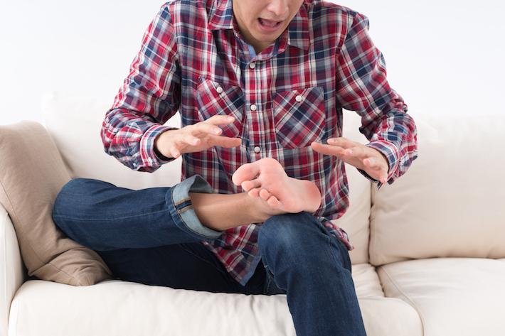 どうすれば防げる? 靴の中は水虫菌のパラダイス! 水虫バスター法教えます。
