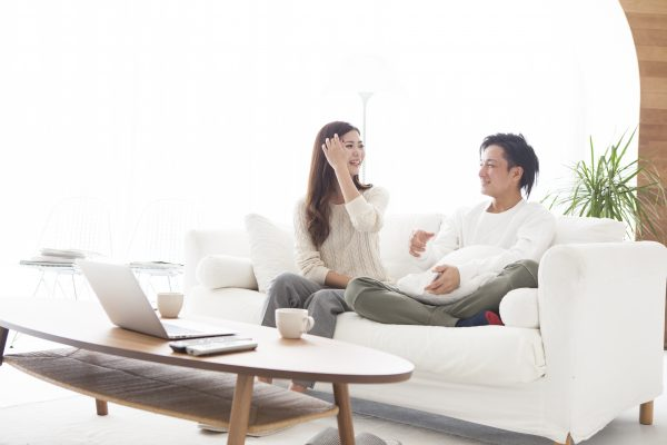 未来の家族のあり方について見直す夫婦