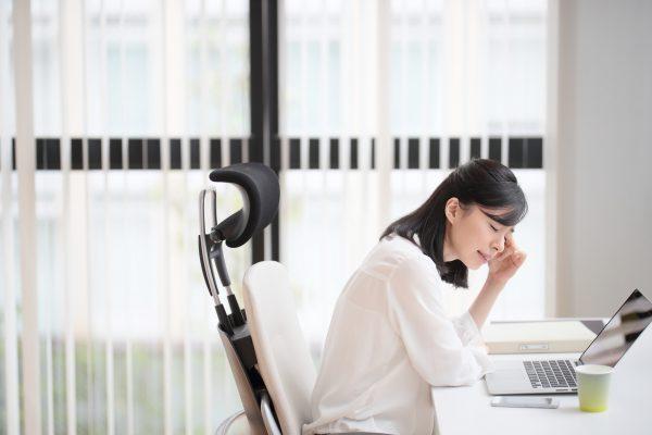 眼精疲労の主な症状