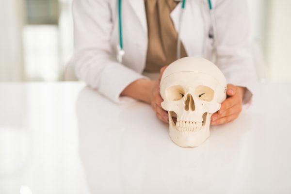骨粗鬆症は顔面にもある