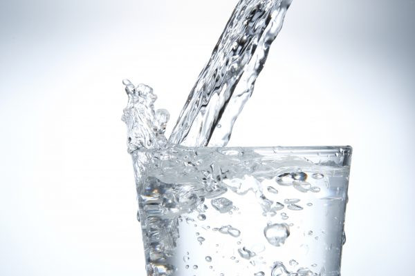 喉が渇く理由と仕組み