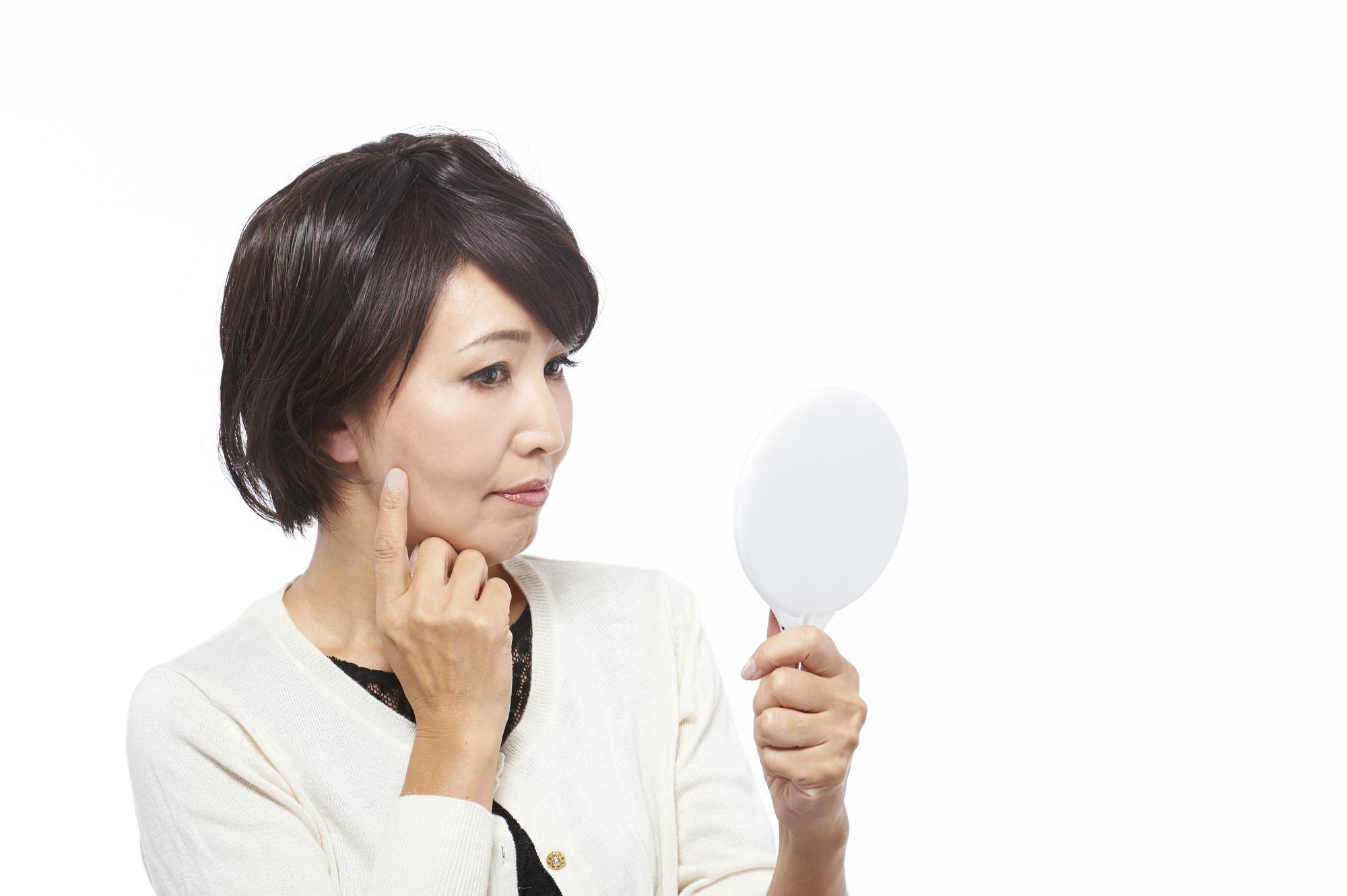 顔のシミ・シワの原因「光老化」を防ぐには?