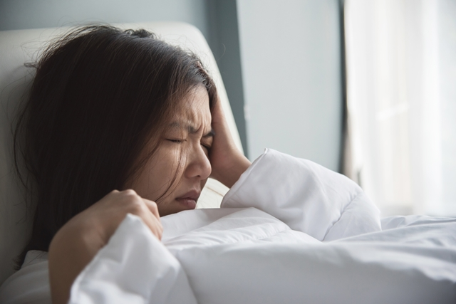 雨の日の頭痛には気圧が影響している? 頭痛以外の不調が起こることも!