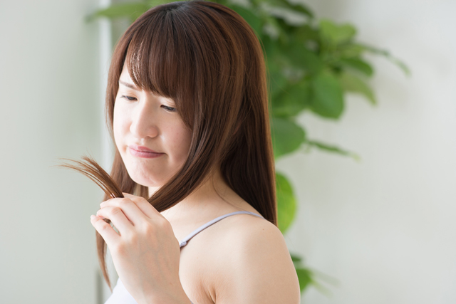 できてしまった枝毛は切るしかない?すぐにでもできる予防法は?