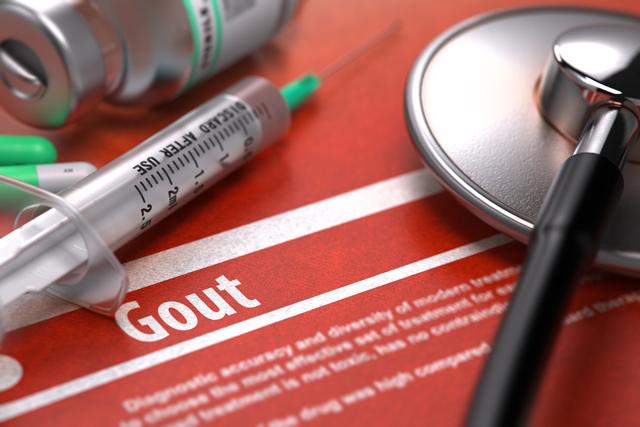 原因は日常生活に潜んでいる!厄介な痛風の症状や治療法とは?
