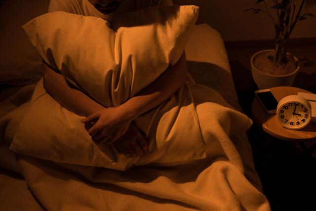 「眠れない…」現代人が急増中。睡眠の悩みを解決する3つの方法